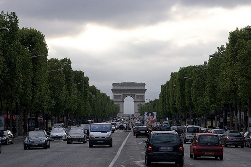 [Avenue de Champs-Elysees, Paris, France.]